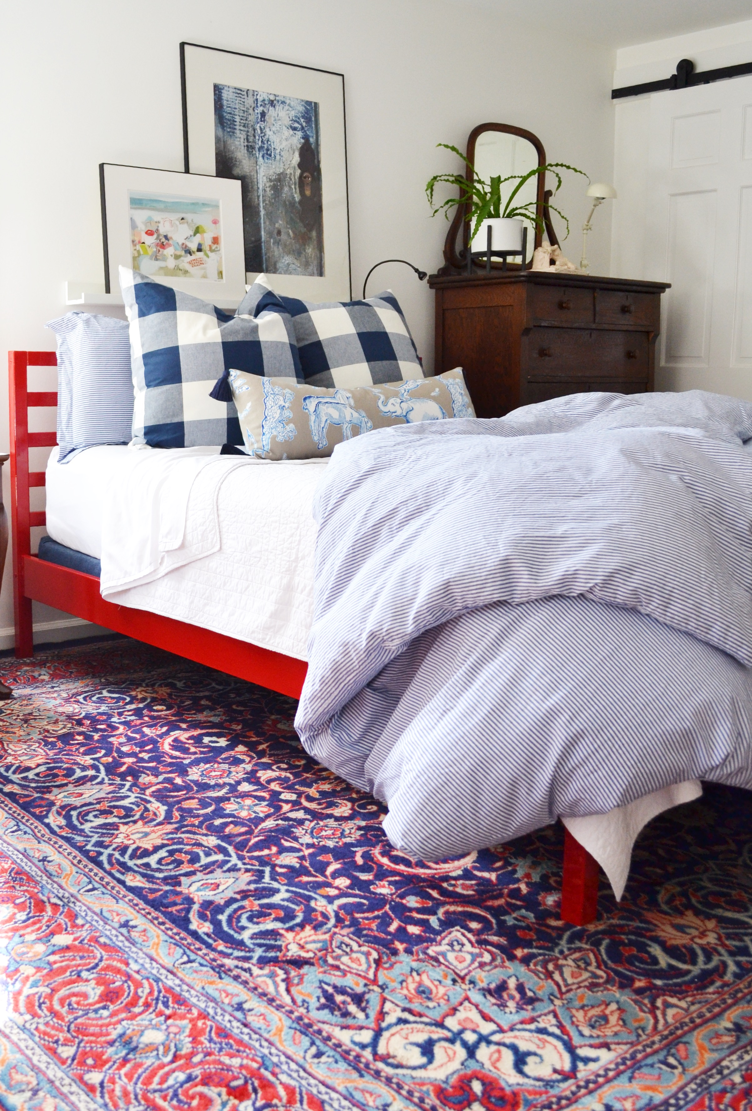 Today I Want To Share My Personal Tips For Making An Irresistibly Comfortable Bed Along With A Cheat Sheet Detailing All The Specifics You Need Have